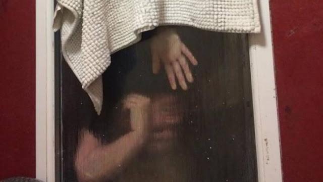 Chica queda atrapada en una ventana en su primera cita