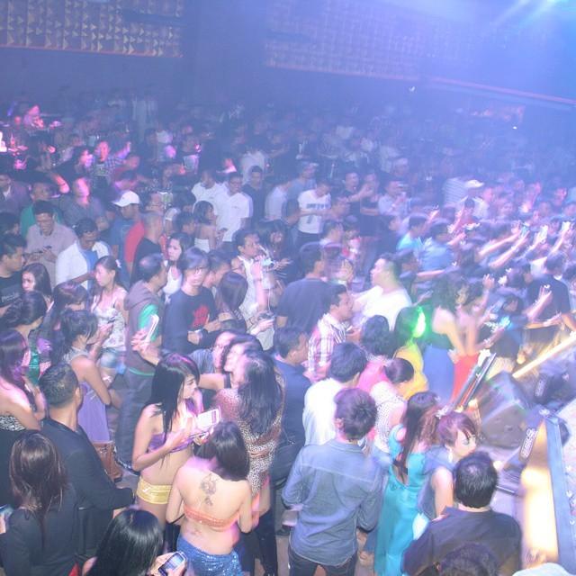 kowloon nightclub surabaya c bar jakarta100bars nightlife