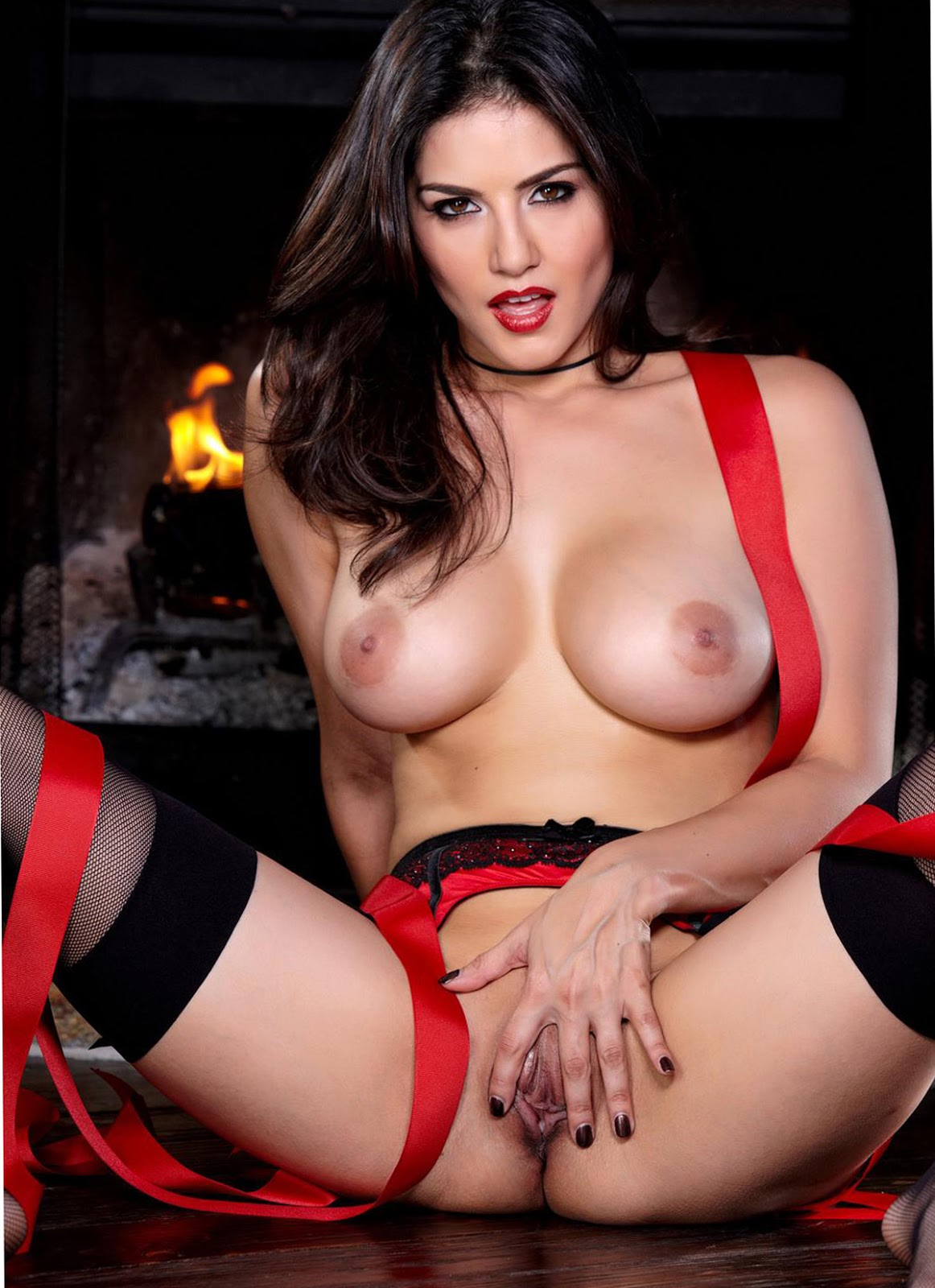 Sunny Leone Red Bikini Open Pussy Nude Boobs Xxx Picture -8349