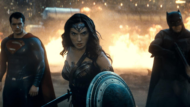 Foto Batman v Superman: Dawn of Justice, Fakta dan videonya