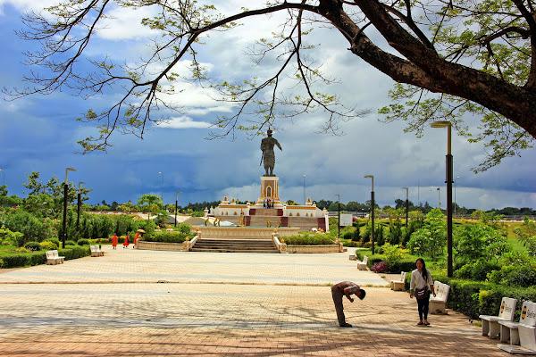 Der Chao Anouvong Park in Vientiane