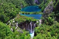 ทะเลสาบพลิทวิเซ่ (Plitvice Lake) @ www.trover.com