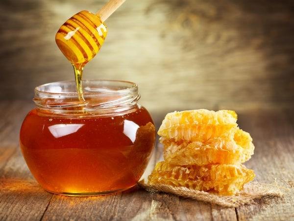 Cách trị nám tàn nhang bằng dầu dừa và mật ong