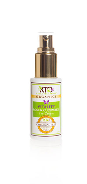 bbcd0af2b18 My skin seems smoother and more hydrated after use. This is definitely a  great product to have for a refreshing mist on a hot summer day.