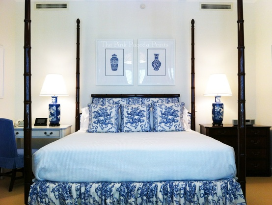 The glam pad beautiful blue and white bedrooms for Blue and white bedroom wallpaper