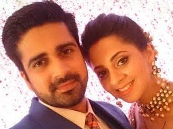 avinash and shalmalee dating simulator