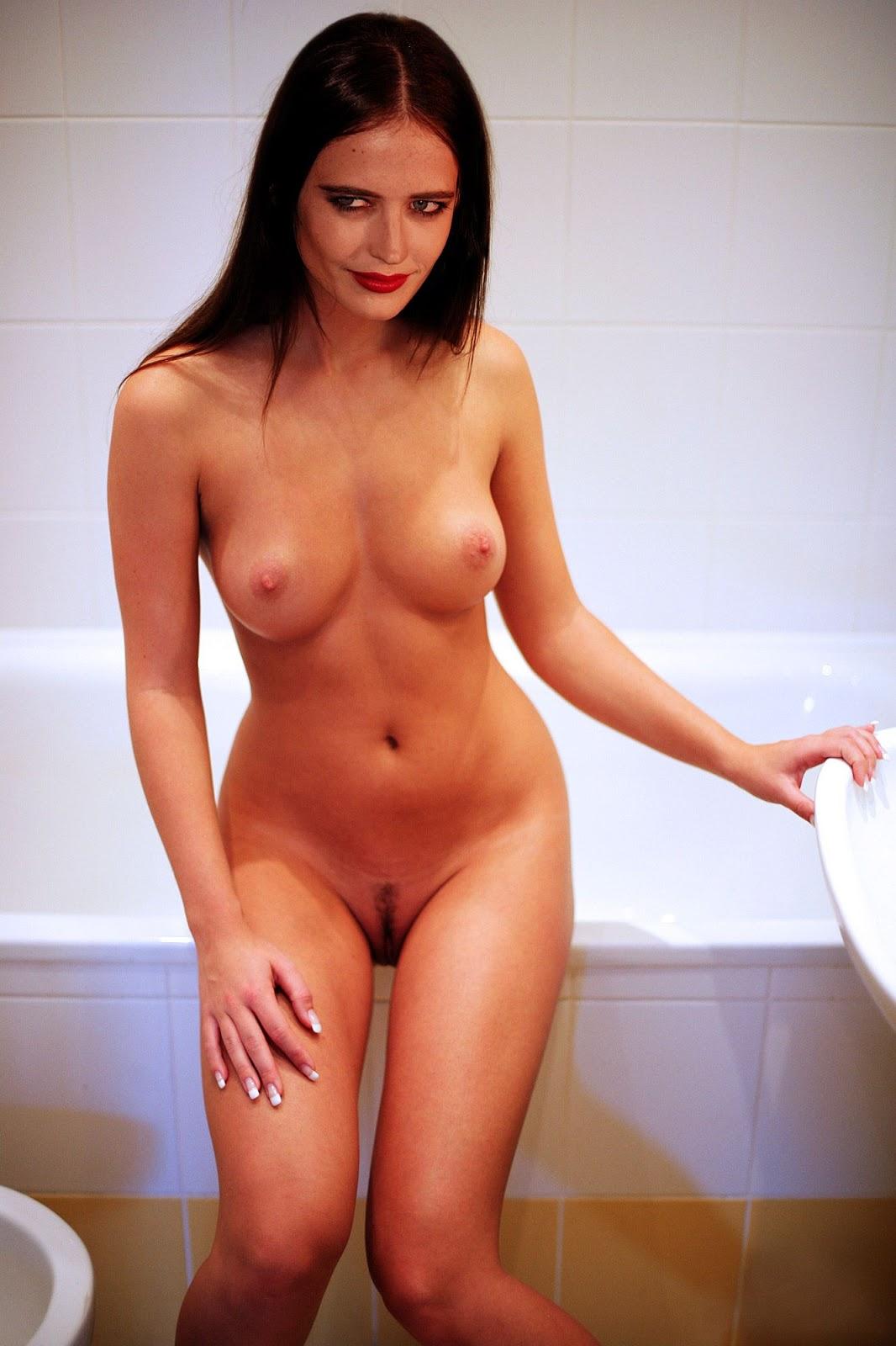 Eva green fake nude pics — photo 4