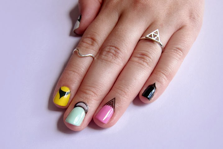 Nails Art: Latest Trend Of Nails Art For Christmas Special 2014