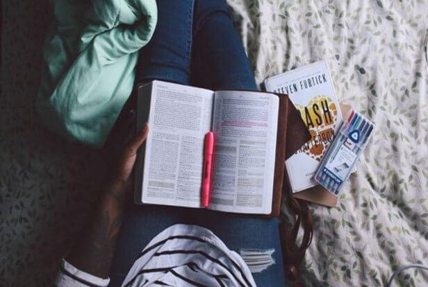 Membaca+Buku