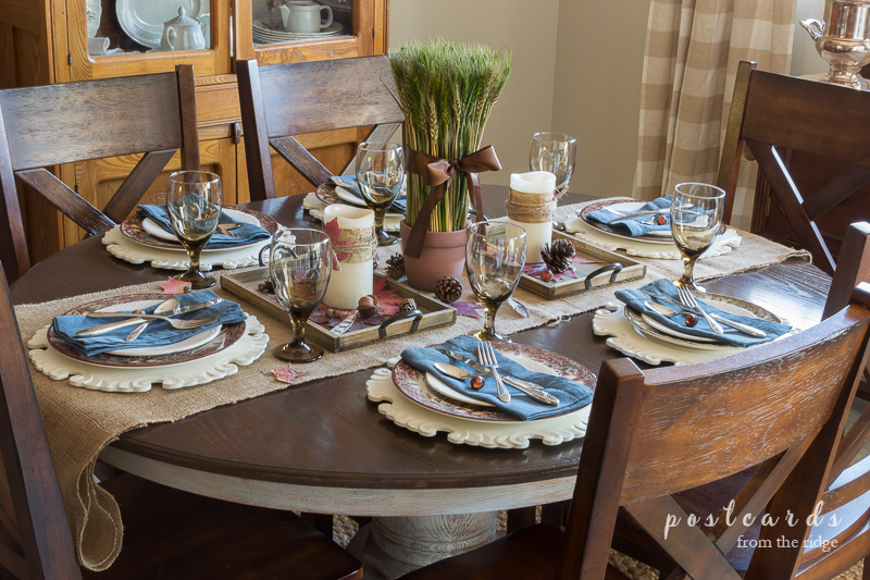 Casual and rustic Thanksgiving table.