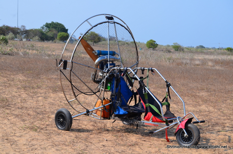 Paramotoring adventure on ECR, Chennai- fly over the beach ...