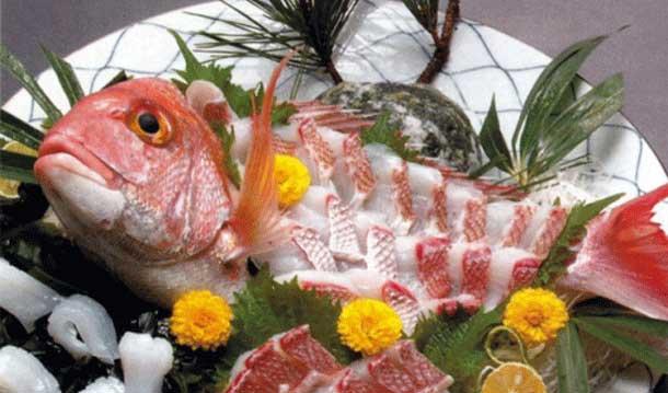 ikizikuri makanan dari ikan mentah yang masih hidup