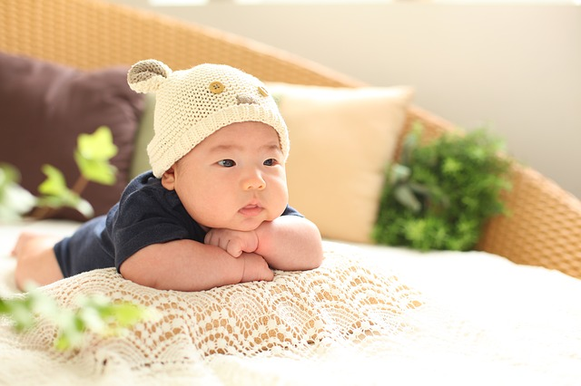 bentuk bantal yang baik untuk bayi, bantal bayi yang baik, bentuk bantal bayi, bantal yang cocok untuk bayi, bantal bayi