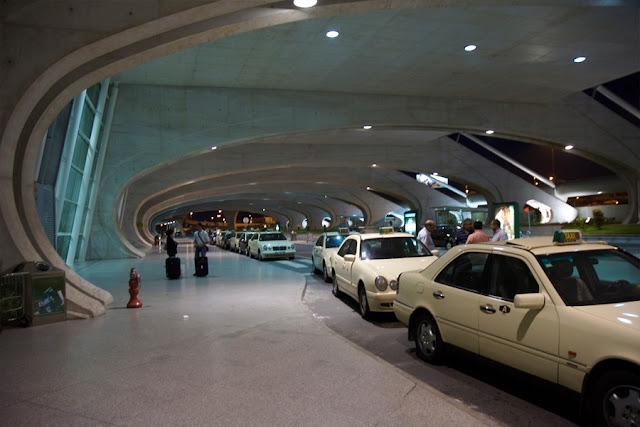 terminal del aeropuerto de Oporto