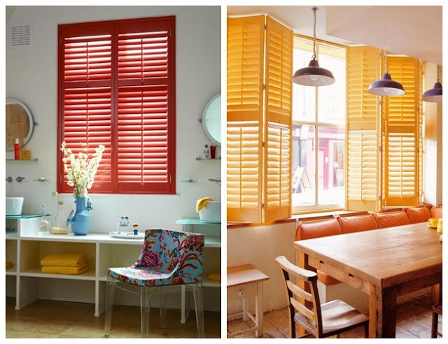 Czerwone i pomarańczowe okiennice wewnętrzne drewniane