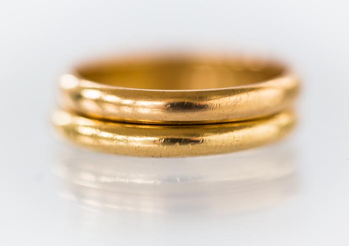 kultainen sormus kihlasormus vihkisormus sileä