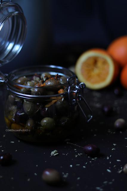 http://www.comidacompaixao.com/2018/03/azeitonas-temperadas.html