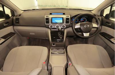 Interior Mazda 8