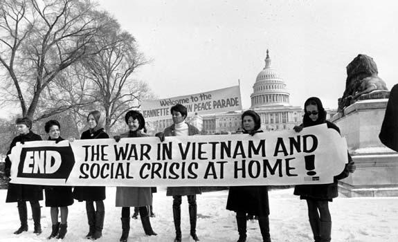 https://2.bp.blogspot.com/-cCjDmb-AnL8/V4xDMRST2AI/AAAAAAAAACk/kHio__-lyCsIAnvdl3kQAo6ApvqionnPACLcB/s640/protesta-guerra-vietnam.jpg