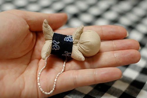 sarubobos, japón, talismanes, muñecos, protección, manualidades mágicas