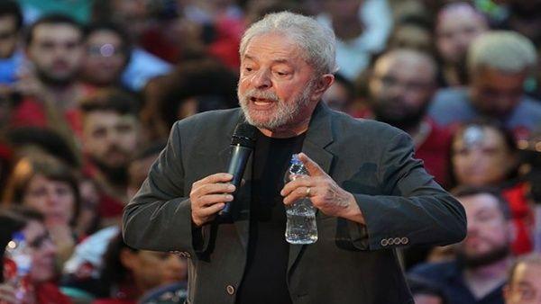 Lula exhorta a brasileños a impedir entrega del país a EE.UU.