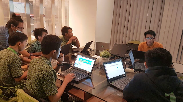 Wow ! Tokopedia Ajarkan Coding ke Office Boynya
