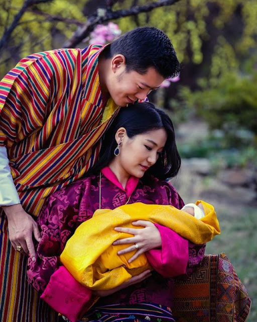 On 9 December 2006, the former King issued a Royal Edict announcing his abdication, and transferred the throne to Jigme Khesar Namgyel Wangchuck who was officially crowned on 1 November 2008, in Punakha.