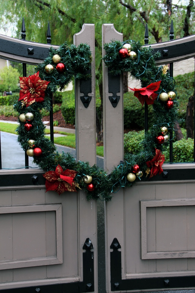 christmas wreath holiday winter festive