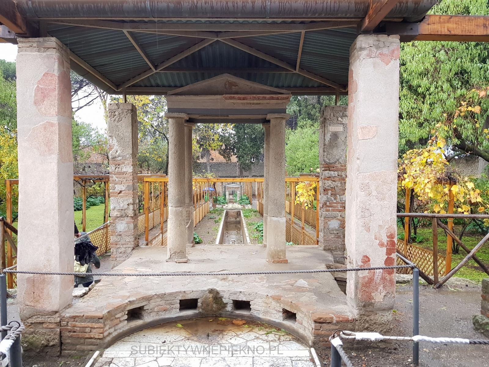 Pompeje koło Neapolu. Zwiedzanie ruin starożytnego miasta ogród