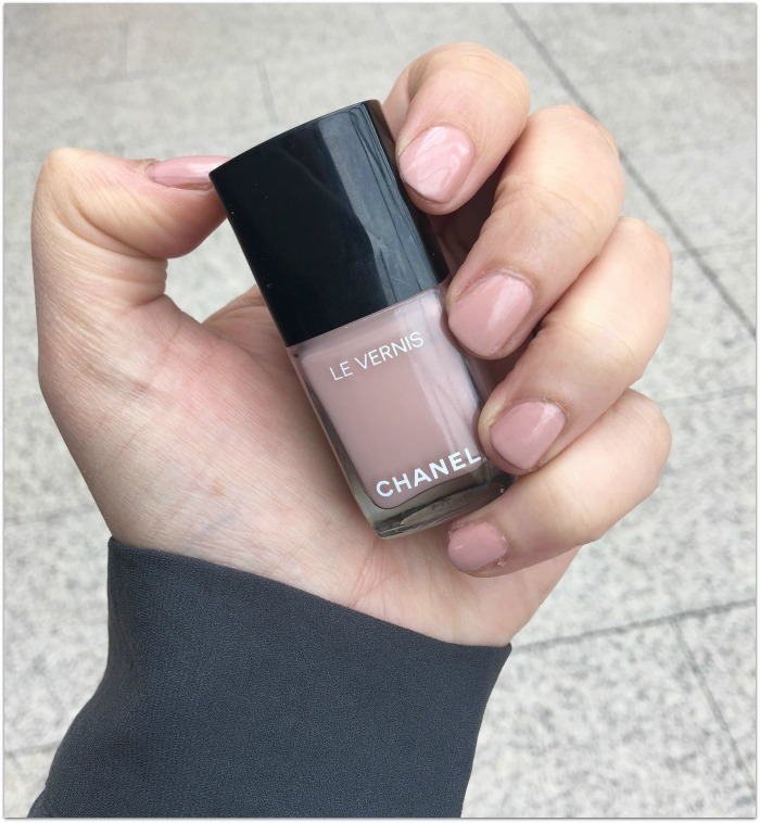 Favori Chanel to Launch New Longwear Gel Nail Polish Line (Pics, Swatches)! NE28