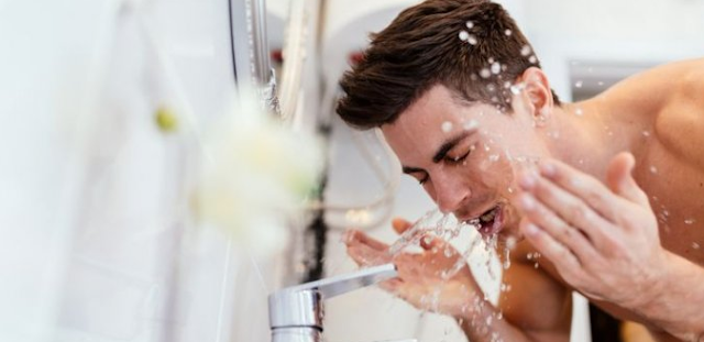 Tips Membersihkan Wajah yang Tepat Bagi Pria