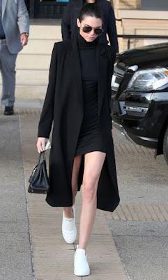 Tubinho preto com casaco oversized