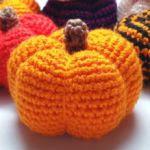 https://craftchamp.wordpress.com/2016/10/19/free-pattern-pumpkin-amigurumi/
