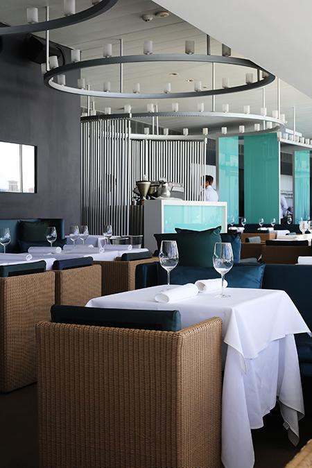 sydney australia bondi beach fine dining at bondi icebergs club and bondi to bronte coastal. Black Bedroom Furniture Sets. Home Design Ideas