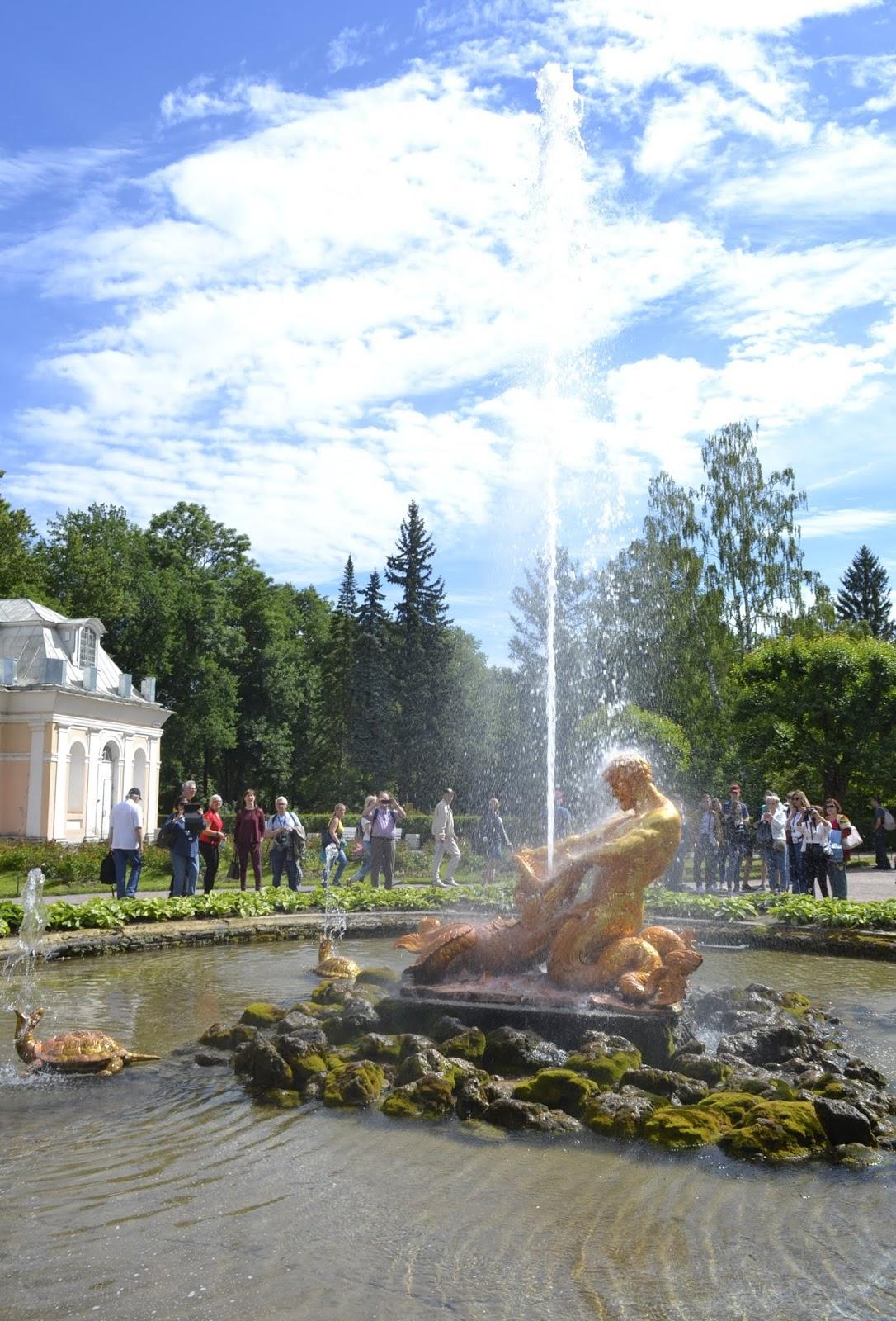 Peterhof, zespół parkowo-pałacowy, fontanny