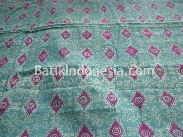Variasi motif berupa daun dan motif dasa pada booh berbentuk belah ketupat  dan lingkaran polos. Pada motif dasar berwarna kuning 29a9cbb69f