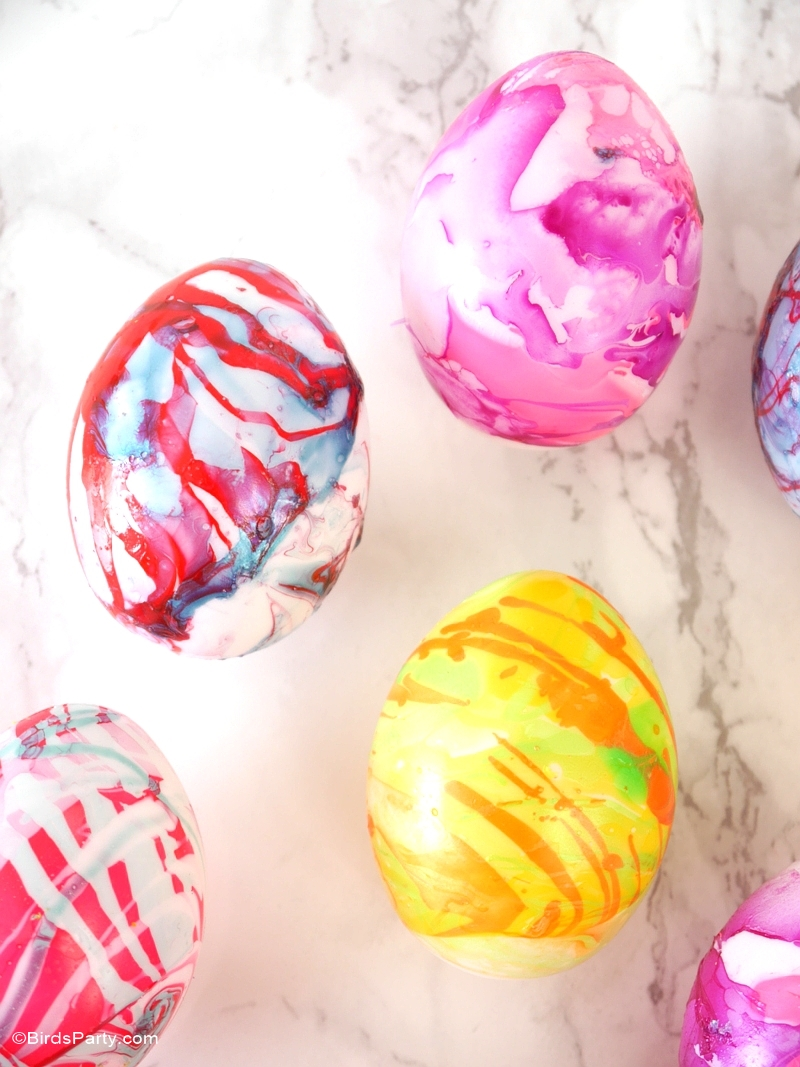 DIY Nail Polish Marbled Easter Eggs - BirdsParty.com