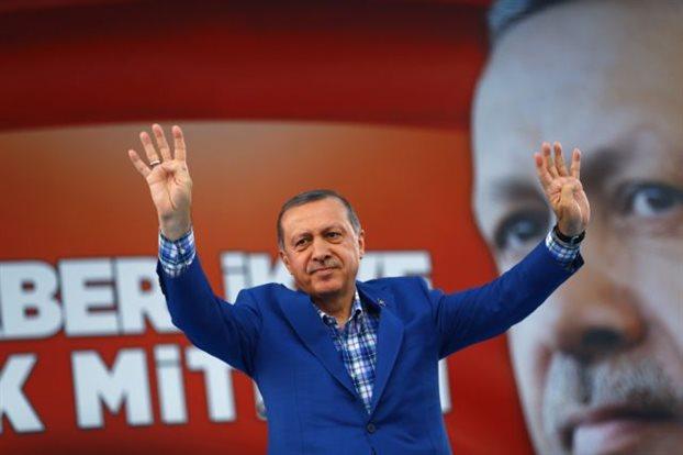 Ο Ερντογάν κτίζει το σουλτανάτο του