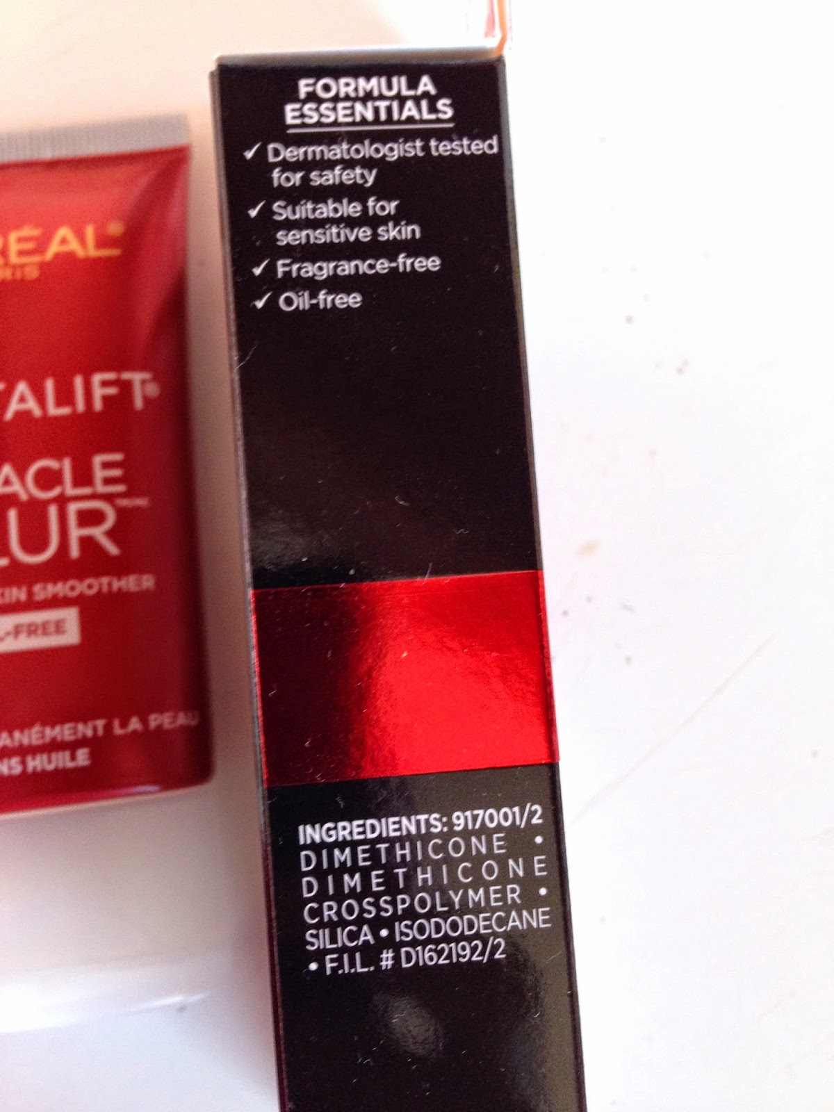 L'Oreal Revitalift Miracle Blur (Oil Free) packaging - www.modenmakeup.com