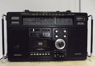 ancienne radio poste transistor grundig rr1140 professional boombox. Black Bedroom Furniture Sets. Home Design Ideas