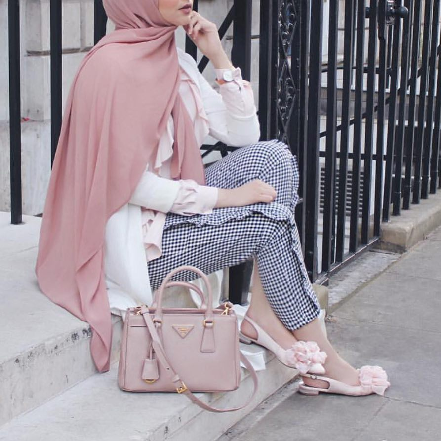 15 Of The Best Hijab Fashion Styles For 2018 Year Hijab Fashion And Chic Style