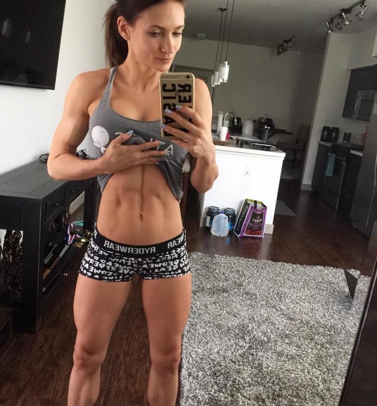 Alyssa Germeroth, female fitness model 0003