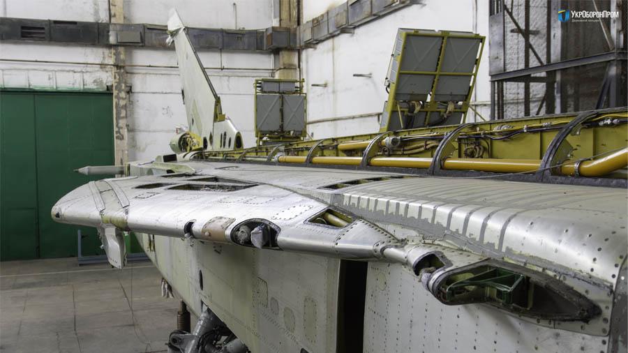 НАРП опановує виробництво комплектуючих Су-24
