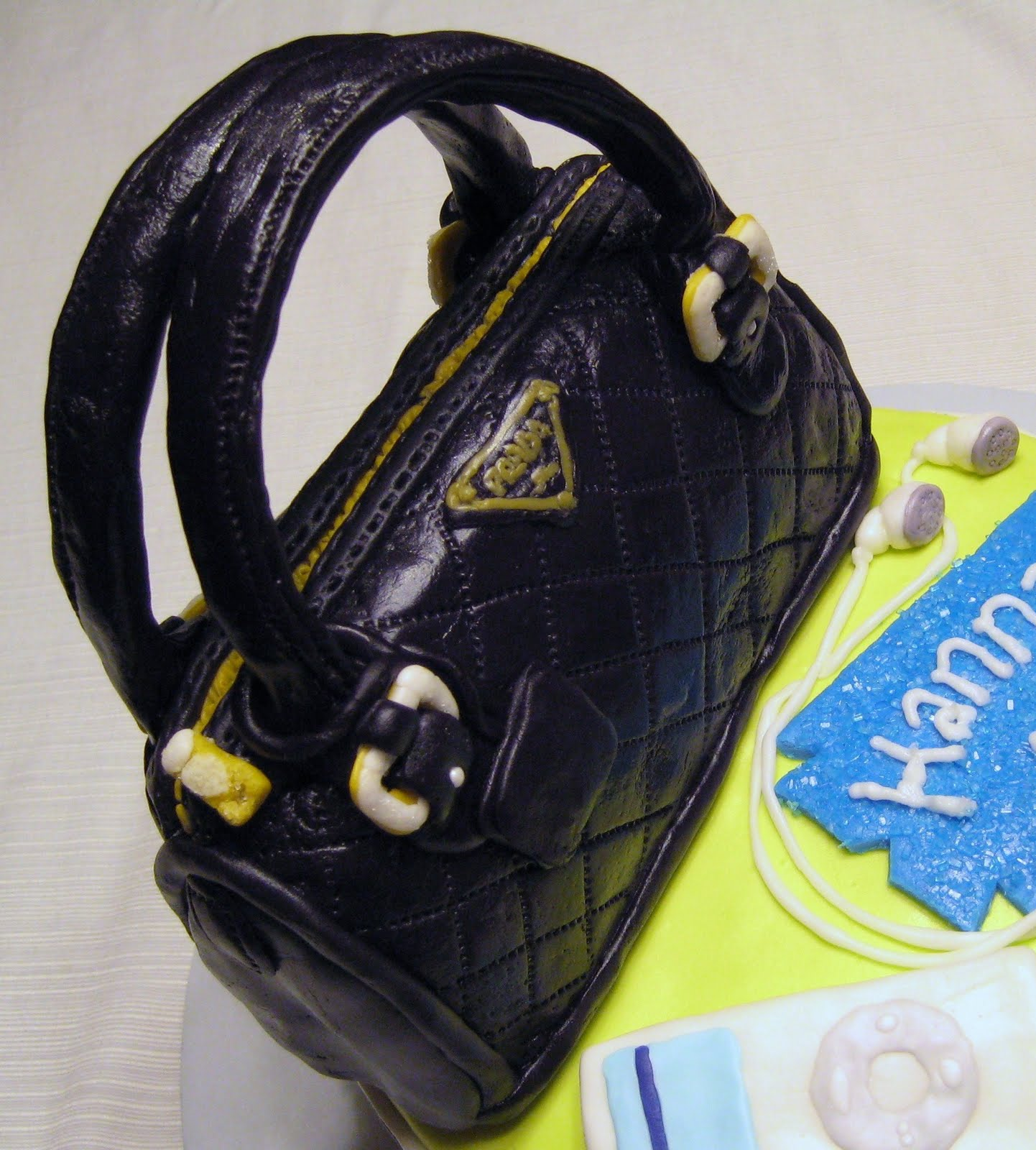 Custom Cakes by Julie: April 2011