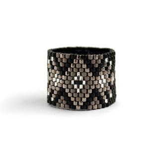 купить Широкое женское кольцо в стиле бохо. Авторское изделие из бисера