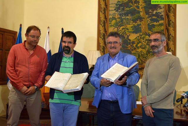 El Cabildo concluye la restauración de dos libros de Bautismos del siglo XVII de la parroquia de San Blas de la Villa de Mazo