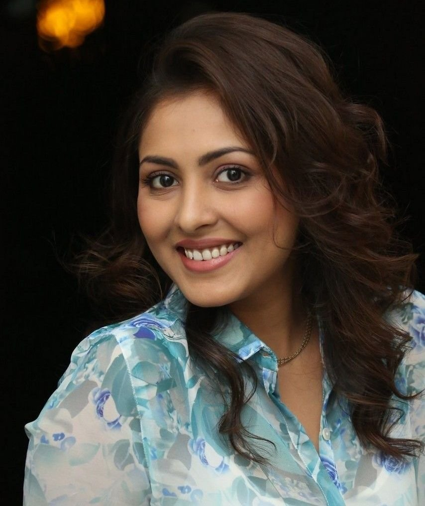 Actress Madhushalini Latest HD Images