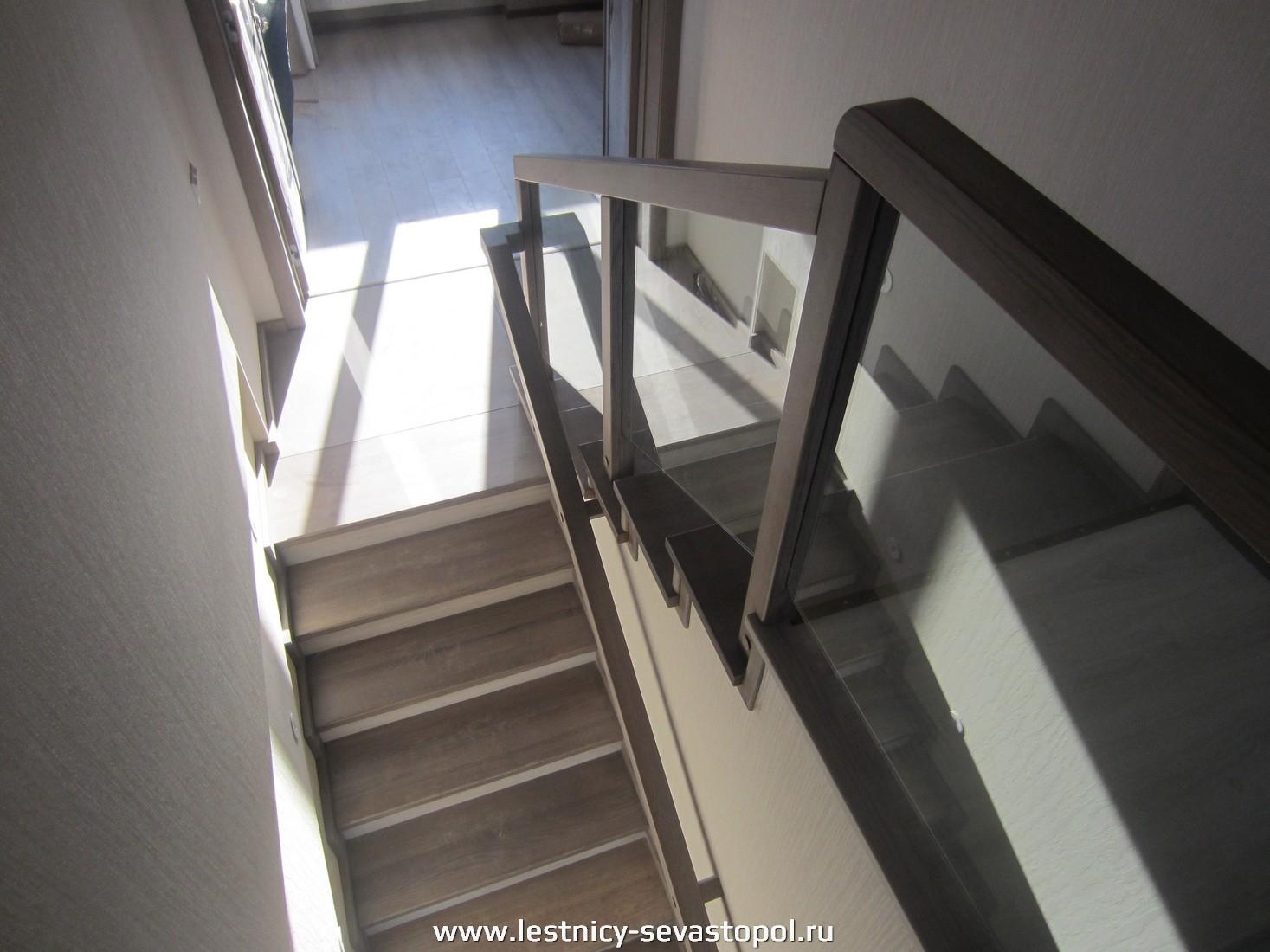 Каркас под лестницу