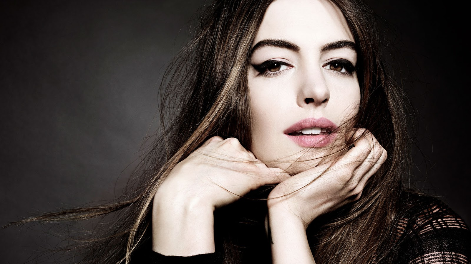 Anne Hathaway HD Images and Wallpapers - Hollywood Actress