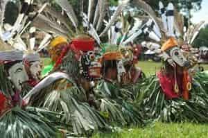 Tarian-Serumpai-Termasuk-TARI-Yang-UNIK-Berasal-Dari-Kalimantan-Timur